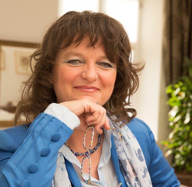 Annette Platzer